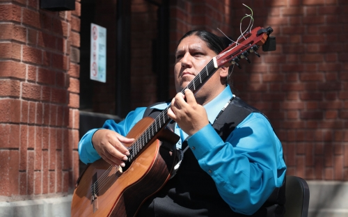 Gabriel Ayala playing before the ceremony